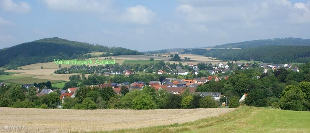 uitzicht op het dorp en park