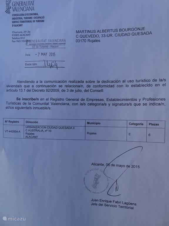 Zoals U misschien weet, moet iedereen die zijn huis verhuurt in Spanje een vergunning hebben. Het huis moet aan bepaalde eisen voldoen. Zonder deze vergunning is verhuren in Spanje illegaal en kunnen huurders het huis uit gezet worden en er volgt een hoge boete voor de eigenaar.