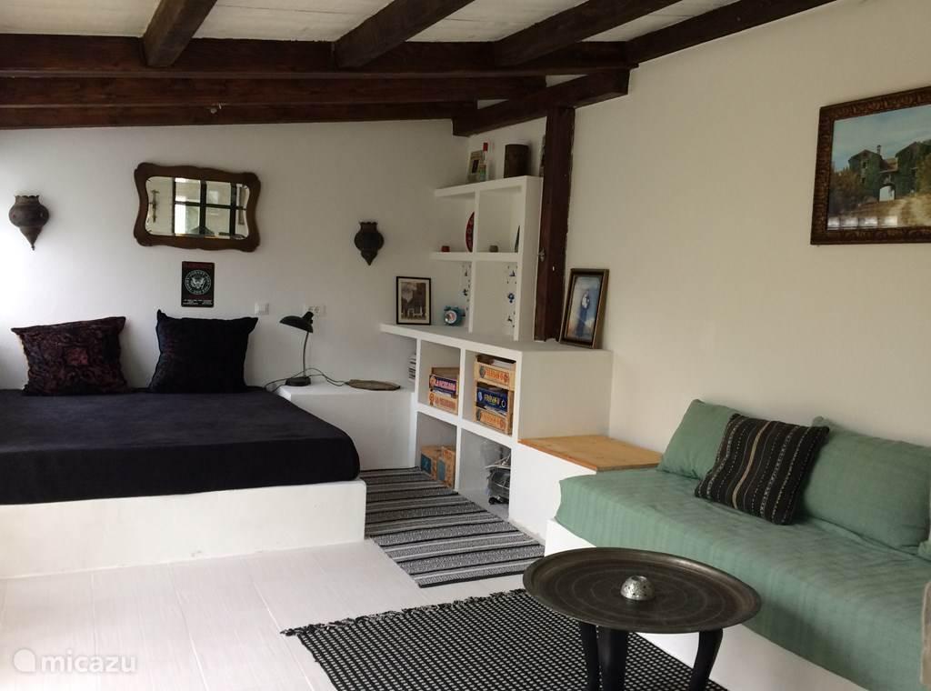 slaapkamer  begane grond/lounge