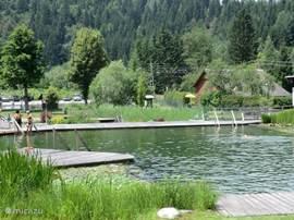Behalve Aquarena is er in de buurt nog een mooi natuurbad.