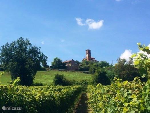 zicht op het huis vanaf het dorpje Cioccaro