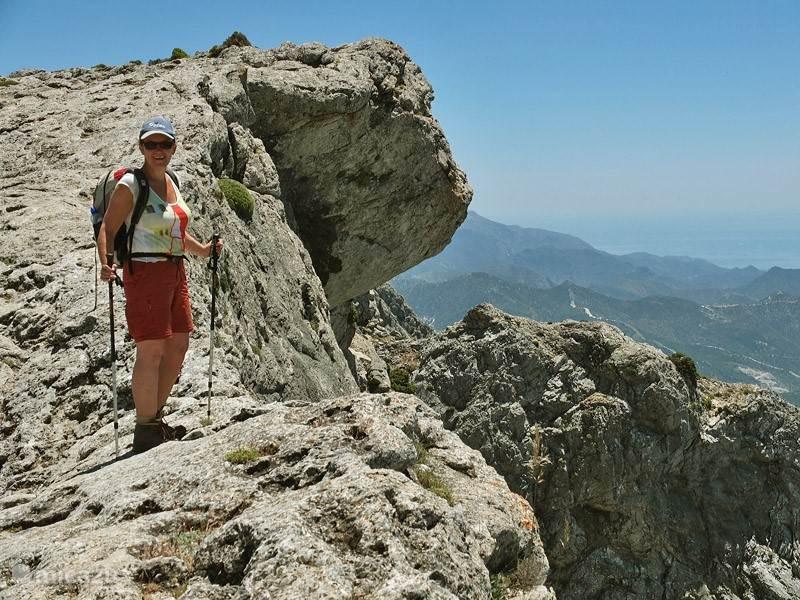 Prachtig uitzicht vanaf de hoogste berg, La Maroma.