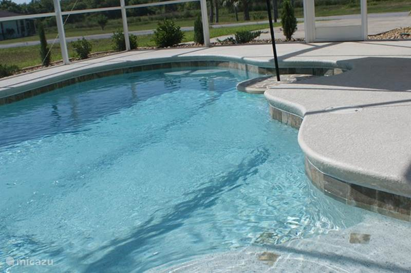 Luxe villa met zwembad in haines city florida huren micazu for Luxe villa met zwembad