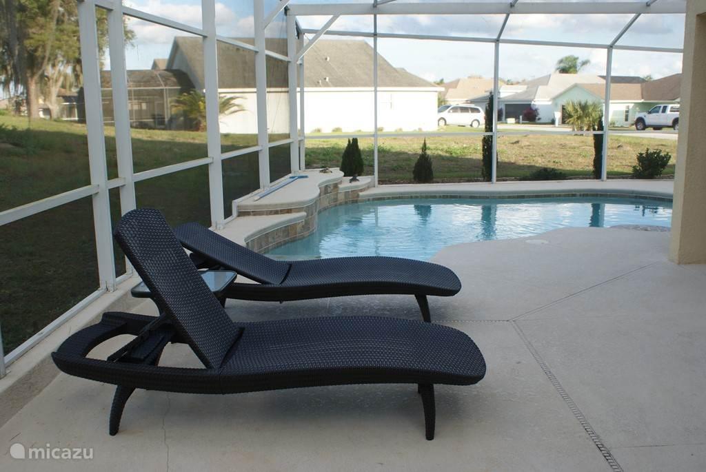 Rent luxe villa met zwembad in haines city florida micazu for Luxe villa met zwembad