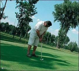 De golfbaan van De Kurenpolder kent een hoge moeilijksheidgraad.