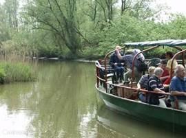 De schipper of een gids verteld u alles over de Biesbosch. De Boesbosch kent een rijke geschiedenis.