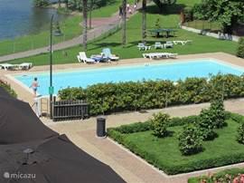 het zwembad om in te zwemmen