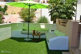 Loungebanken in de eigen privetuin
