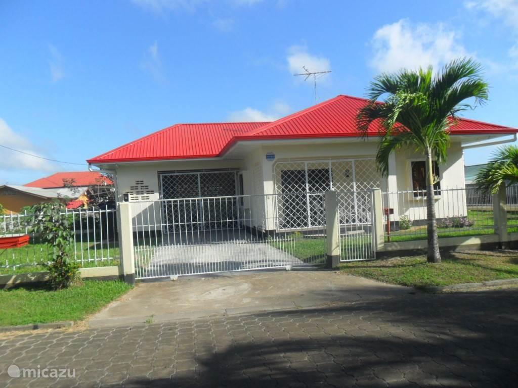 Vakantiehuis Suriname – stadswoning Vakantiehuis Elconsuelo