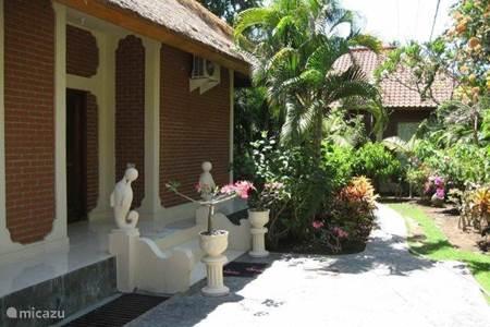 Villa villa rumah sungai in ubud bali indonesi huren - Deco entree in het huis ...