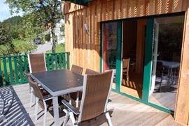 Fully enclosed patio ideal for small children