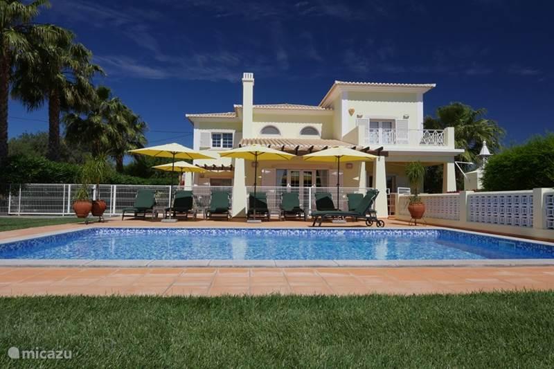villa villa da morar ideal villa der ideale lebensbedingungen in faro algarve portugal. Black Bedroom Furniture Sets. Home Design Ideas