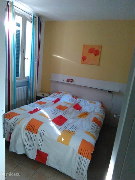 2x een twee persoons slaapkamer