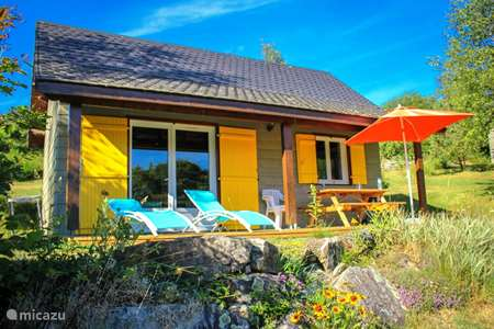 Vacation rental France, Cantal, Champs-sur-Tarentaine-Marchal chalet Chalet de l'Eau Verte Holiday Park