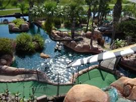 Veel verschillende mini-golf banen in de regio. Van piraten- tot jungle- en hawai-thema. Leuk voor de hele familie.