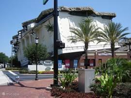 Ook allerlei kleine attracties in Orlando (bv: huis op z'n kop: World of Wonders, Titanic, Ripley's Believe it or not, Airboat-tocht, Gatorpark, Big Wheels-tocht, etc.