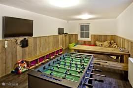 Heerlijk om met de kinderen een spelletje voetbal te spelen  of gewoon lekker op een zitzak hangen en tv of DVD kijken.