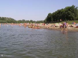 Cool off in the Tisza, where the Hungarians this also do and tourists not yet know about it.