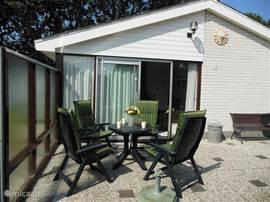 Lekker bakje koffie of een glaasje op het zonnige terras.