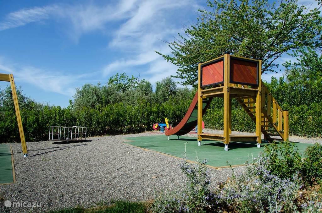 Aparte playground voor de kinderen