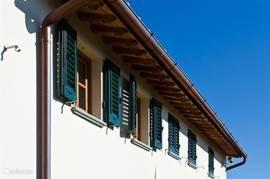 Traditionele ramen met luiken