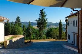 Doorkijkje op het Toscaanse landschap