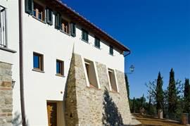 Het historische gebouw met haar stevige dikke muren is prachtig gerestaureerd.
