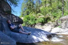 Relaxen aan de rivier de Lance 2 KM
