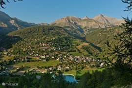 Allos village