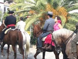 Trouwstoet op weg naar El Convento de Flores