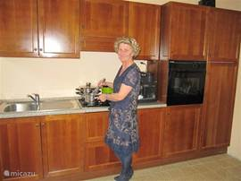 dear nadia love the 2 kitchens fully equipped with top and bottom vaatwasseren oven and full kitchen with all
