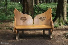 The 7 km long trail of Liebensbankweg runs behind our house down. On the trail are benches in honor of various wedding anniversaries. Here, the bench of the 60th diamond wedding anniversary.