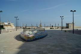 Aan het strand in het centrum van Daimus