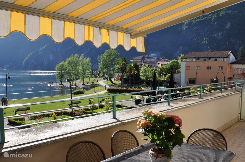 uitzicht op meer van Lugano