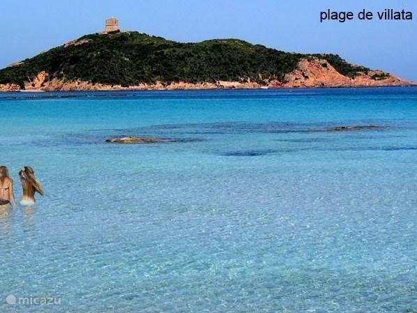 Plage Villata is bij uitstek geschikt voor kleinere kinderen. De baai is ondiep, met rustig water en helder wit zand.