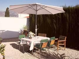 Tuin Voorzijde Voor zowel in als uit de zon zitten