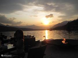 Het leven is goed, hoog in de bergen met het water en luxe spa aan je voeten...