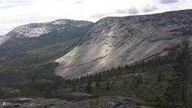 Uitzicht tijdens wandeling naar de top van de Haegefjell.