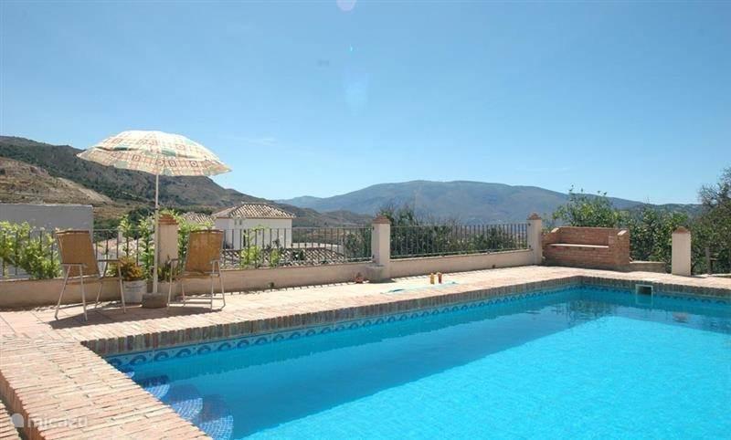 Vakantiehuis Spanje, Andalusië, Pinos del Valle villa Cortijo Granado met privé zwembad