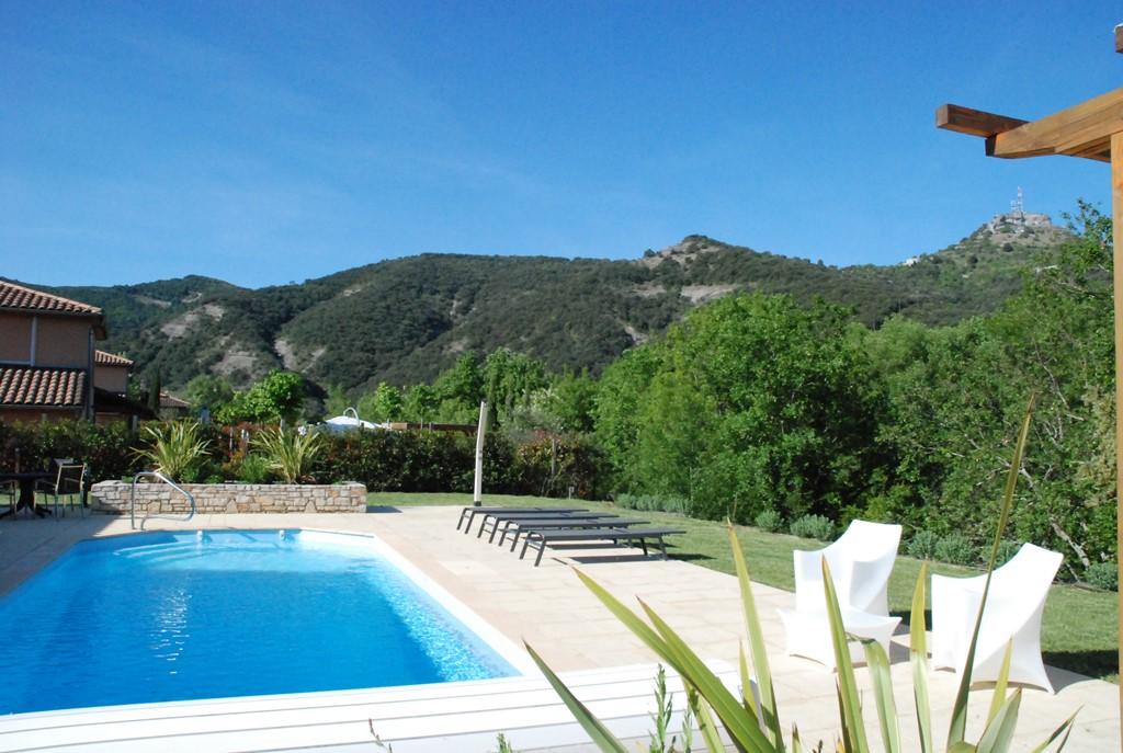 25/8-1/9: Schitterende villa met privé zwembad en vrij uitzicht, Airco 3 sl.k, Ned.tv+wifi. Prachtige tuin+jeu de boules+tennisbn. Nu € 1695.