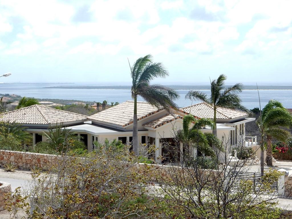 Last minute huren va. 27/06  tot 15/07 nu laag seizoen tarief PLUS auto 1 week GRATIS erbij. Nu of nooit naar Bonaire.