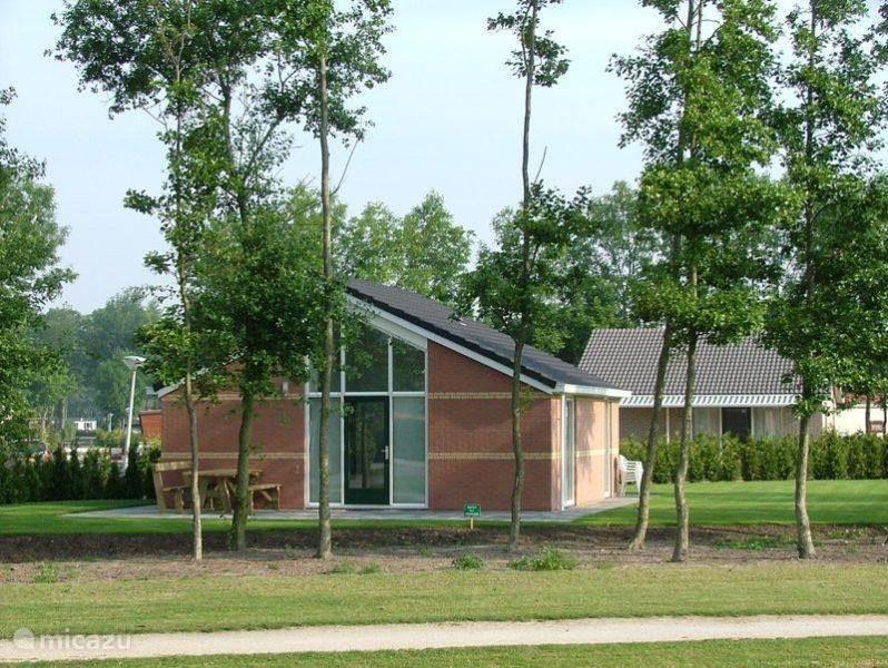 Vakantiehuis Nederland, Friesland, Tzummarum bungalow Ons Friese Huis