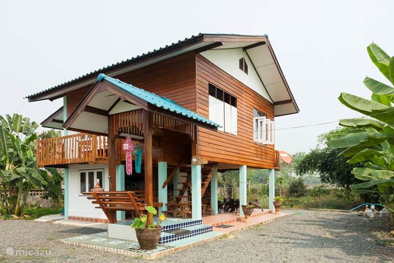 Ferienhaus thai teak haus in chiang mai nordthailand for Traditionelles thai haus