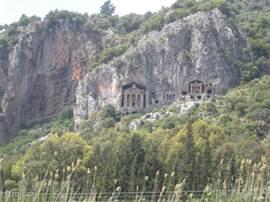De Lycische koningsgraven, vlak bij de historische stad Kaunos (mooie opgraving!).