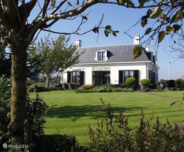 Een kijkje in de villa en een rondje in de omgeving