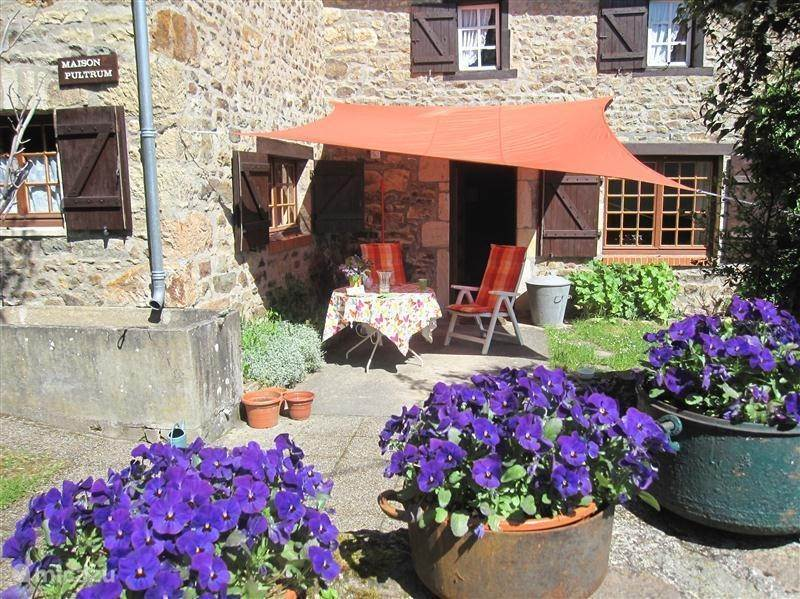Vacation rental France, Puy-de-Dôme, Brégiroux Farmhouse Maison Pultrum