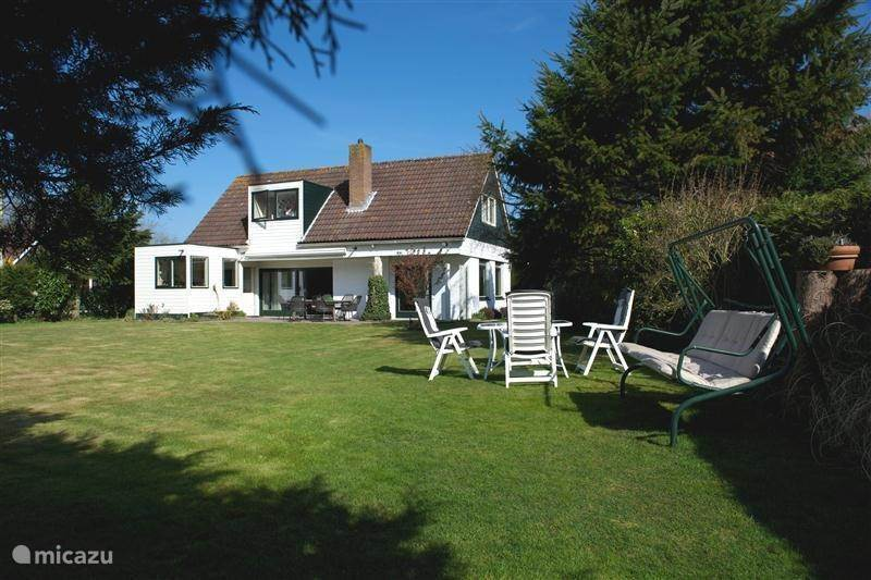 Villa Zeeuws Mädchen in Renesse, Zeeland, Niederlande ...