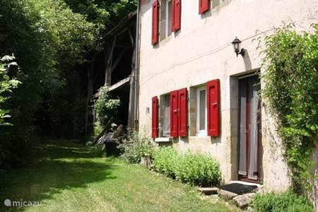 Vakantiehuis in gouttieres auvergne frankrijk huren - Deco entree in het huis ...