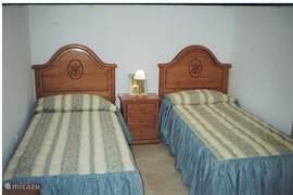 De tweepersoons slaapkamer op de eerste verdieping.