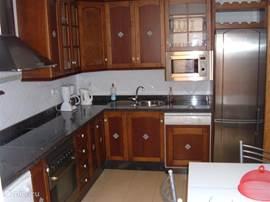 De grote keuken van het huis.